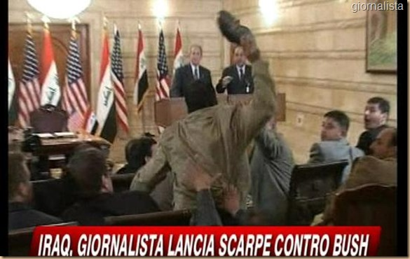 giornalista vero irakeno lancia scarpa contro Bush 3