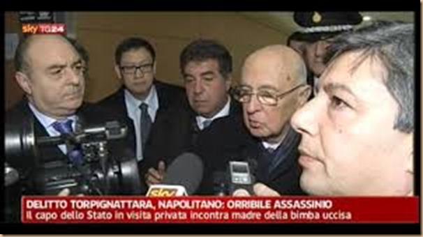 Napolitano si indigna DOPO omicidio - ma prima gioca a Tetris